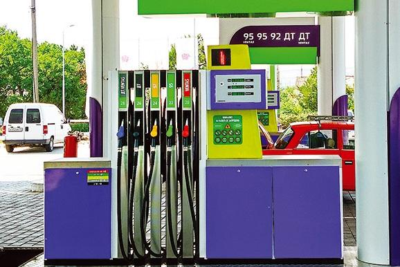 Названы российские регионы с наиболее доступным бензином