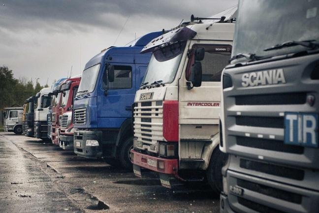 Водителям грузовиков и автобусов ограничат время за рулем