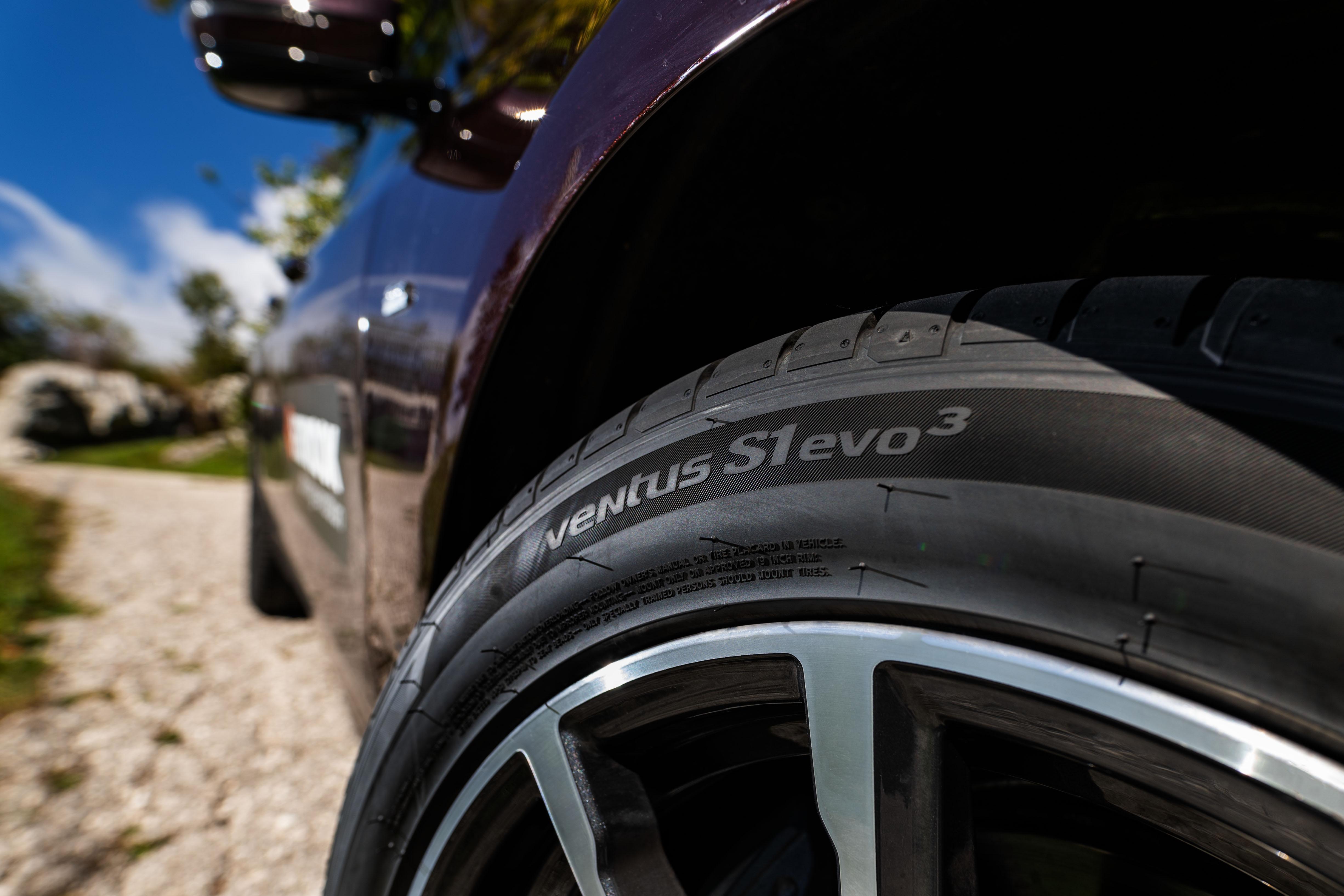 Новый флагман компании Hankook опережает конкурентов в тестах Auto Bild
