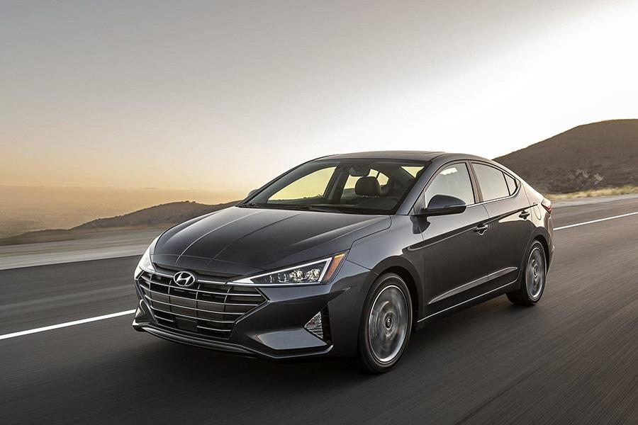 Объявлены российские цены на рестайлинговую Hyundai Elantra