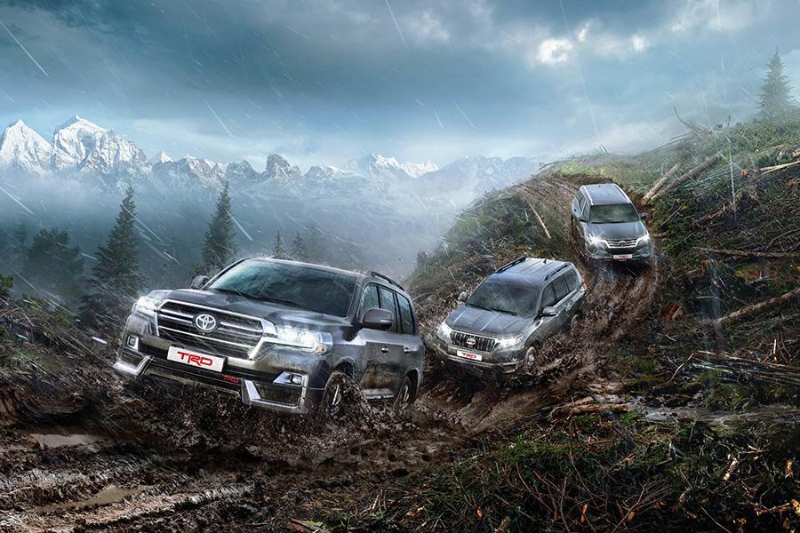 Toyota начинает продавать в России внедорожники в версии от TRD