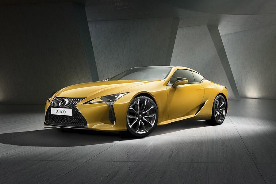 Lexus завез в Россию «желтую» спецсерию LC 500