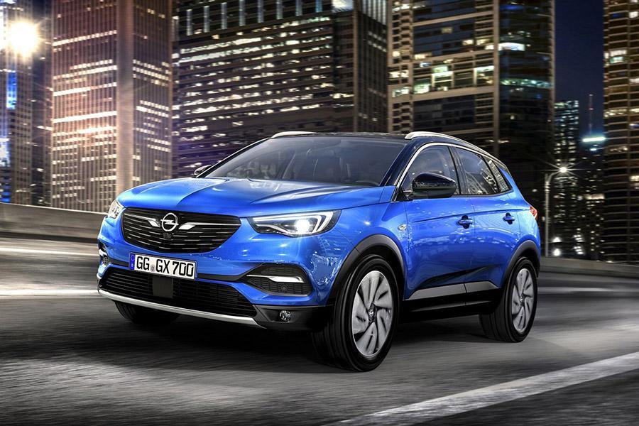 Opel раскрыл модельный ряд для России