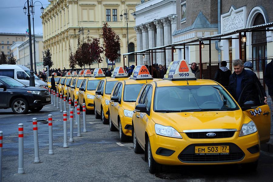 Телематический сервис проанализировал вождение таксистов в Москве