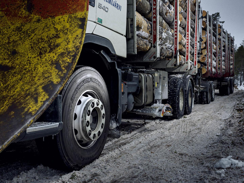 В Nokian разработали зимнюю шину для сверхтяжелых грузовиков