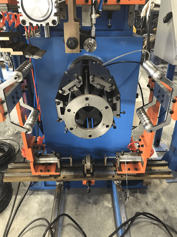 На АШК устанавливают новое китайское оборудование для производства грузовых шин
