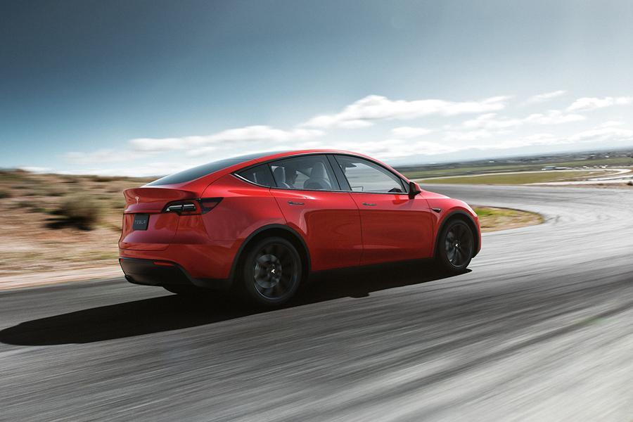 Tesla Model Y: известна цена в России