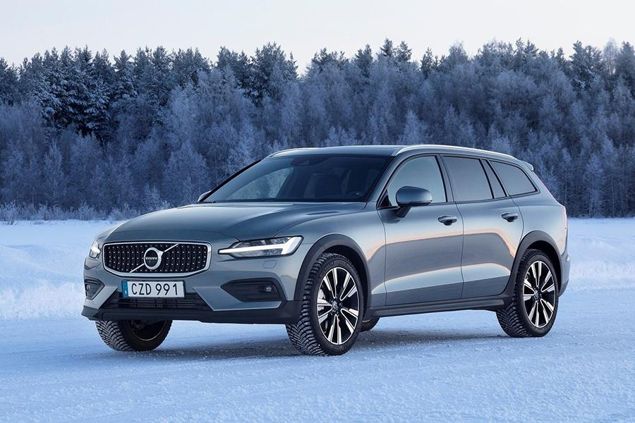 До России доехал Volvo V60 Cross Country