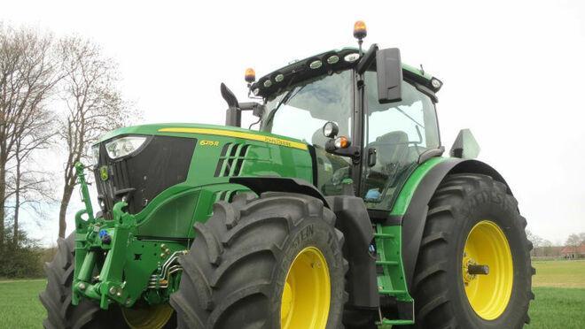 John Deere выбрала шины Vredestein Traxion для заводской комплектации тракторов средней мощности