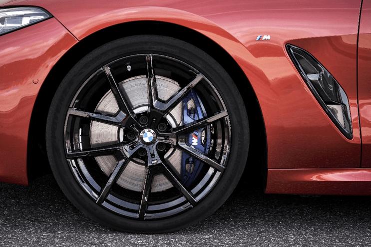 BMW и Bridgestone развивают сотрудничество в области заводской комплектации новых автомобилей