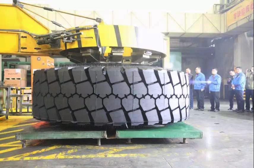 Aeolus Tyre везет в Москву свои сверхкрупногабаритные шины