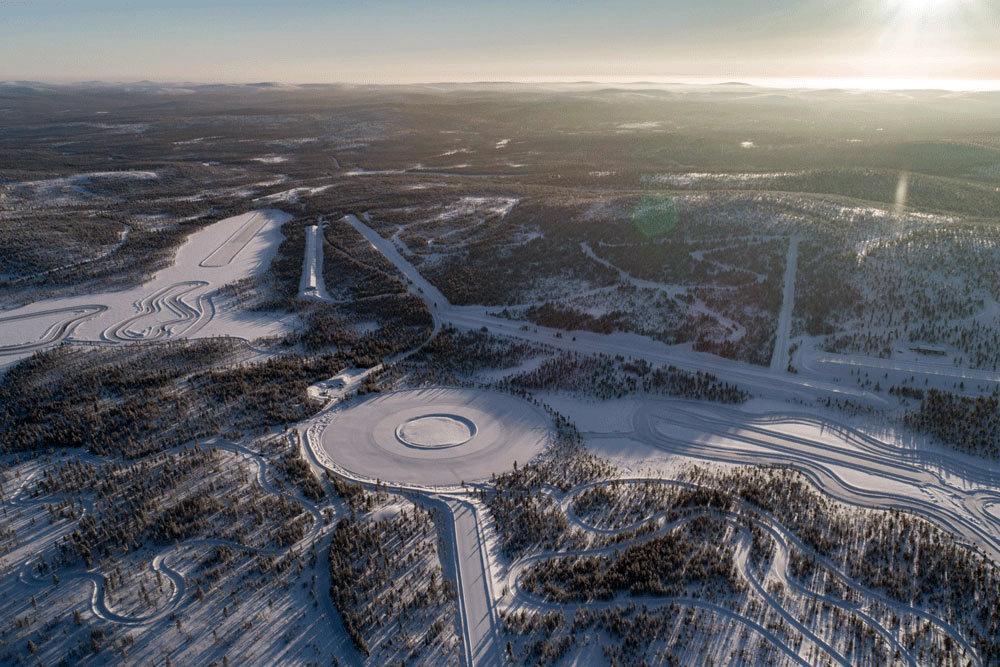 На тестах Nokian Hakkapeliitta LT3 за Полярным кругом