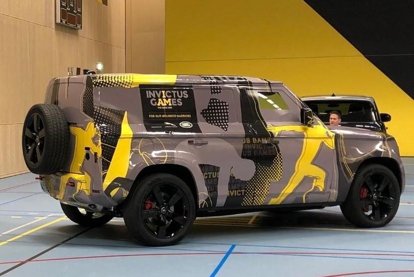 Land Rover Defender: новые фотографии