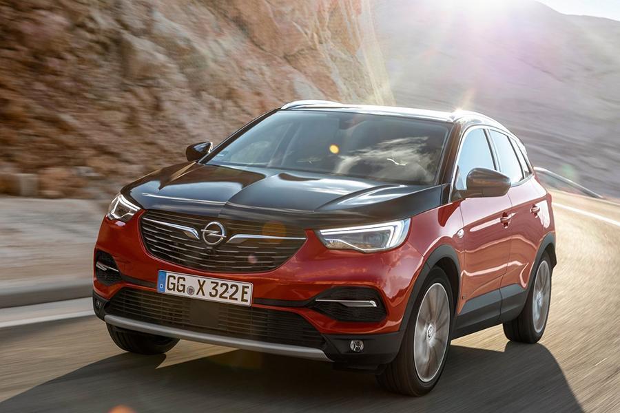 Opel Grandland X стал 300-сильным гибридом