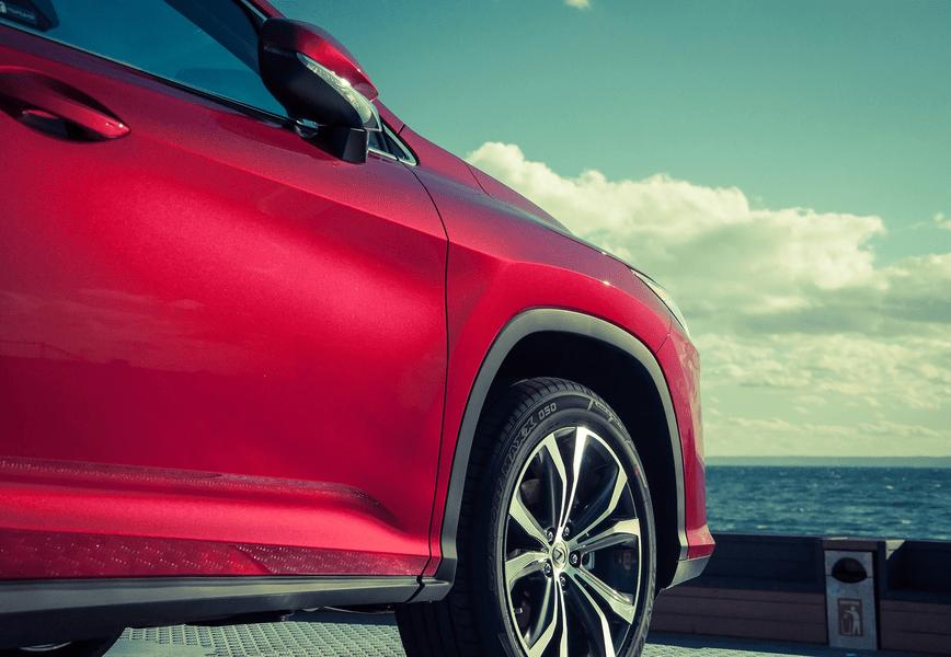 «Тойота Мотор» отзывает 420 автомобилей Lexus из-за проблем с шинами