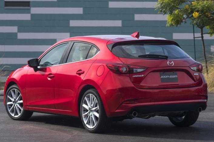 Mazda 3 попали под отзыв из-за стеклоочистителя