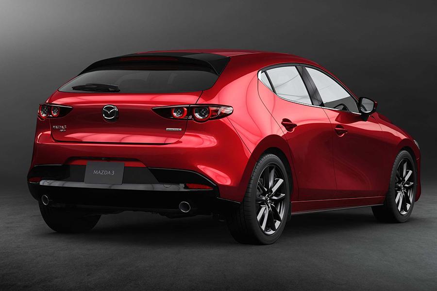 Новая Mazda 3: известны двигатели для нашего рынка