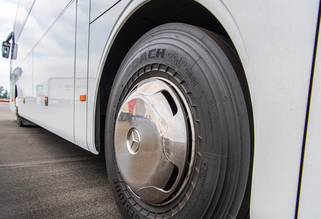 Bridgestone представила новую модель всесезонных автобусных шин Coach-AP 001