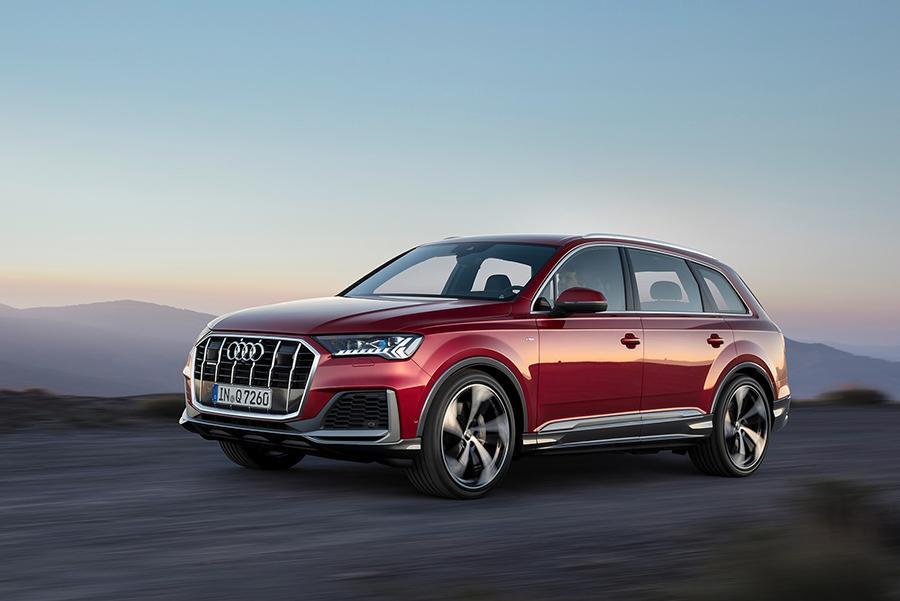 Audi Q7 получил «сенсорный» интерьер