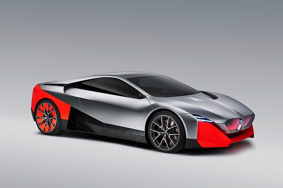 BMW Vision M Next показал будущее баварских спорткаров