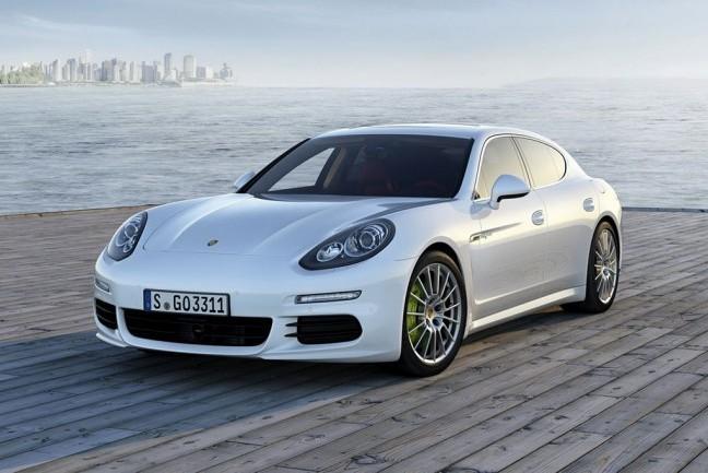 Больше 2000 Porsche Panamera оказались с дефектом