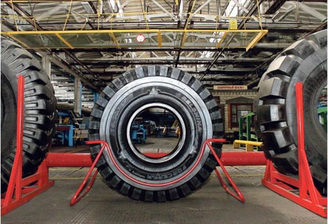 Бобруйские шинники свулканизировали первую ЦМК шину в рамках нового инвестпроекта