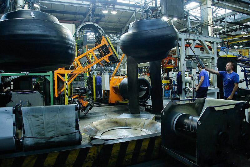 Волжские шинники освоили выпуск восьми новых типоразмеров шин