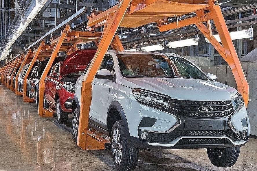 АвтоВАЗ остановил производство из-за смежника