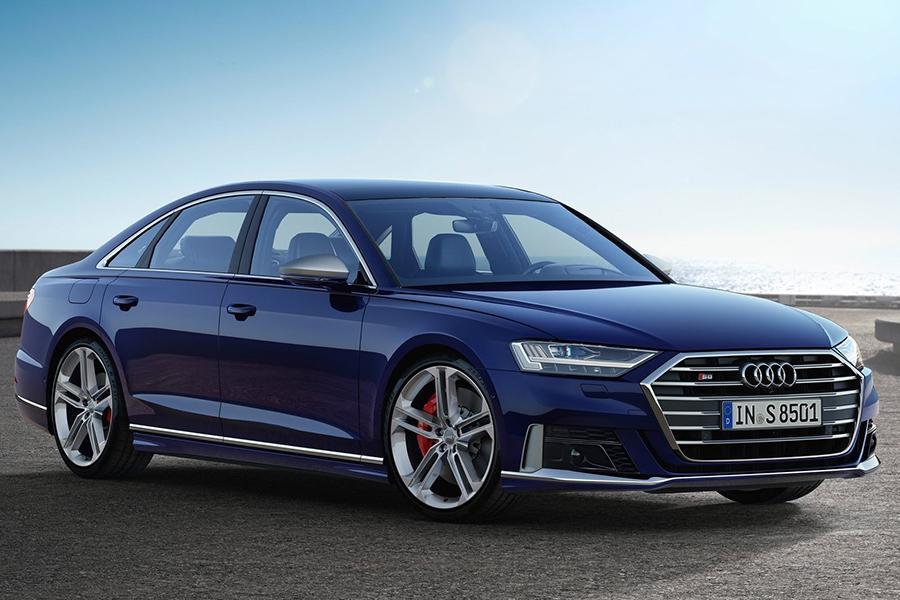 Флагманский седан Audi обзавелся S-версией
