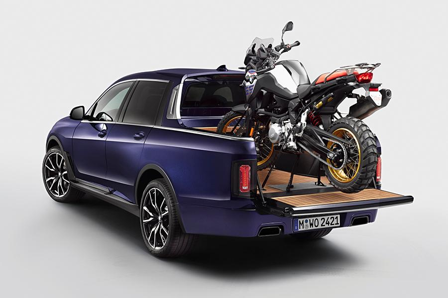 BMW X7 неожиданно стал пикапом