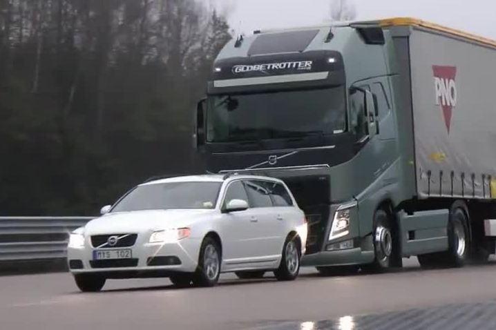 На российских машинах могут появиться «умные тормоза»