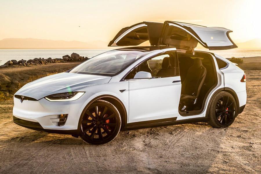 Россиянка отсудила 20 млн рублей за неисправную Tesla Model X