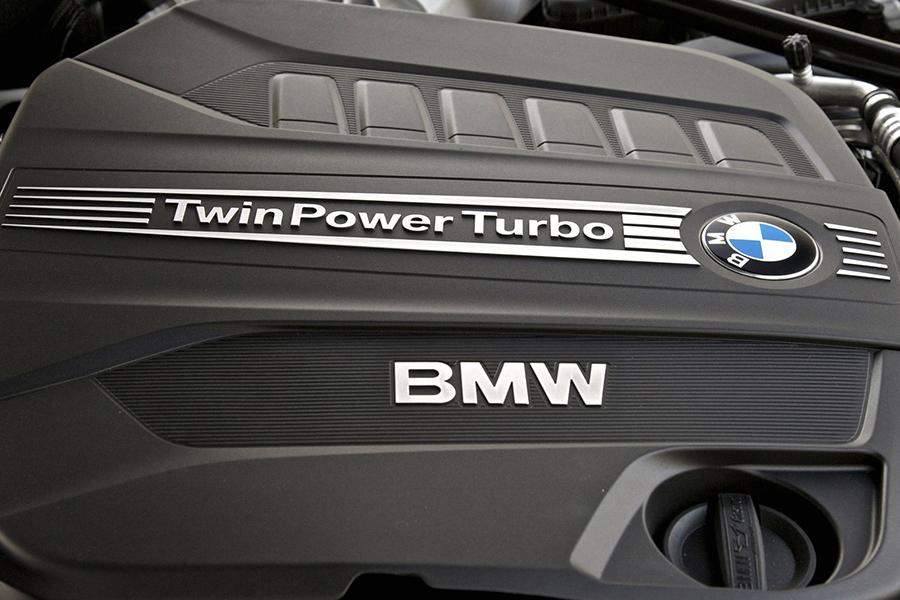Jaguar Land Rover может перейти на моторы BMW