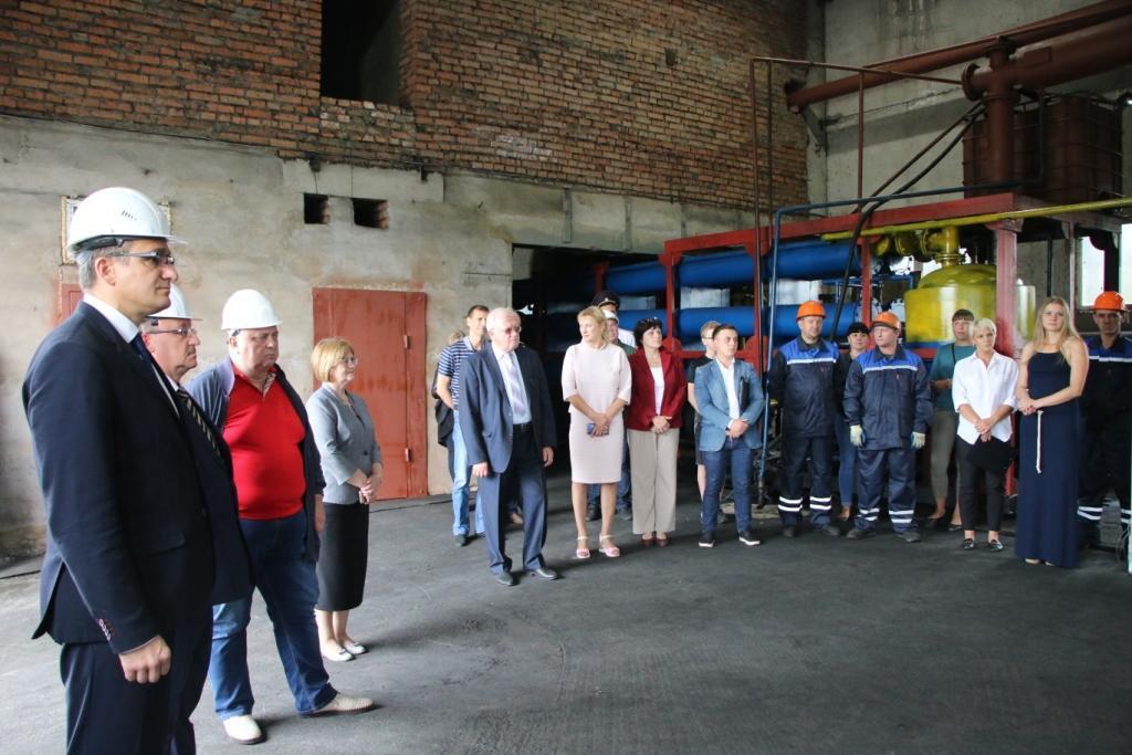 В Калтане к 60-летию города открыли новую линию по переработке шин