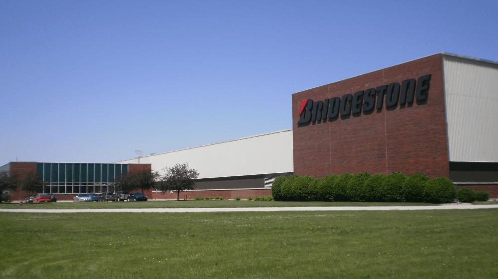 Caterpillar присвоил заводу Bridgestone в Иллинойсе статус поставщика золотого уровня