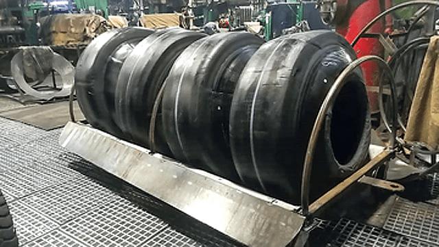 Двухъярусные гамаки для шин - новое изобретение барнаульских шиноделов