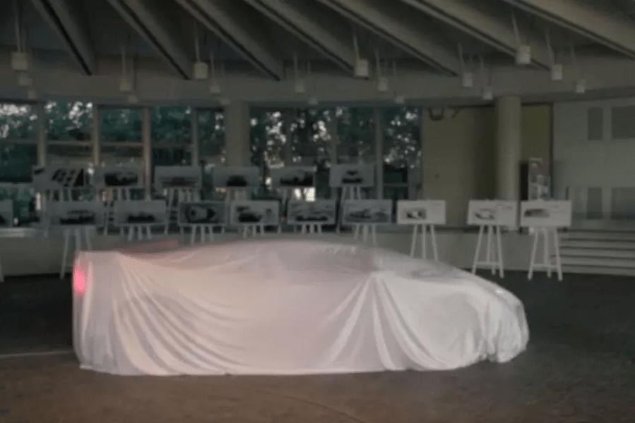 Bugatti через неделю представит новый суперкар