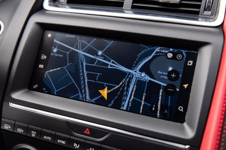 Jaguar и Land Rover подключили к «Яндексу»