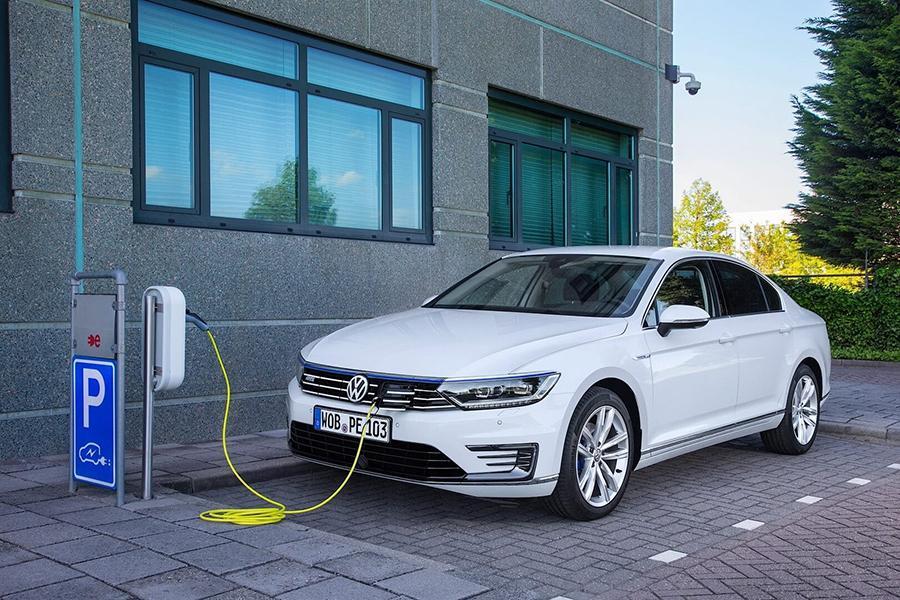 Volkswagen и GM откажутся от гибридов