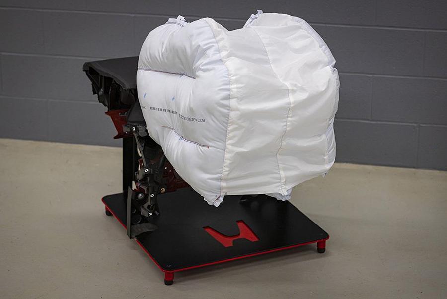 Honda рассказала об инновационной подушке безопасности