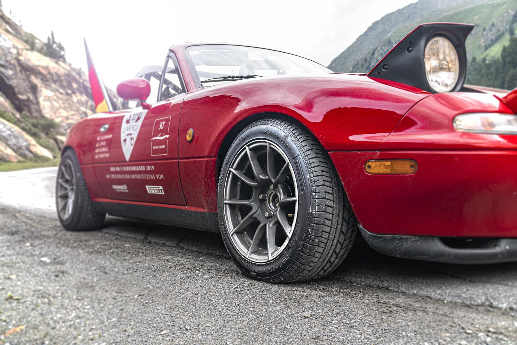Шины Pirelli Collezione помогли Mazda MX-5 отметить своё 30-летие мировым рекордом