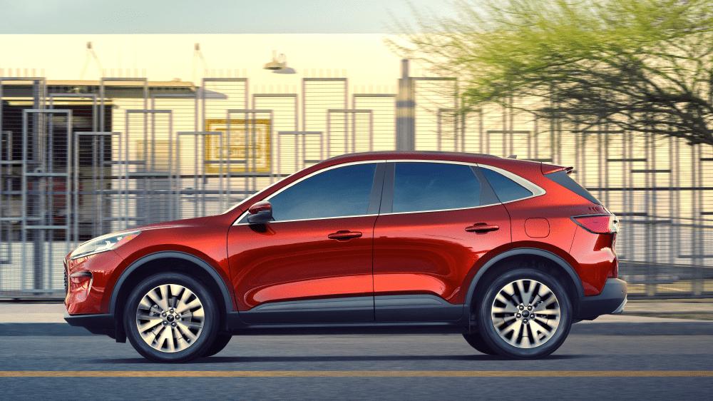 Ford Motor Company выбрала всесезонки Bridgestone для оснащения новых кроссоверов Escape