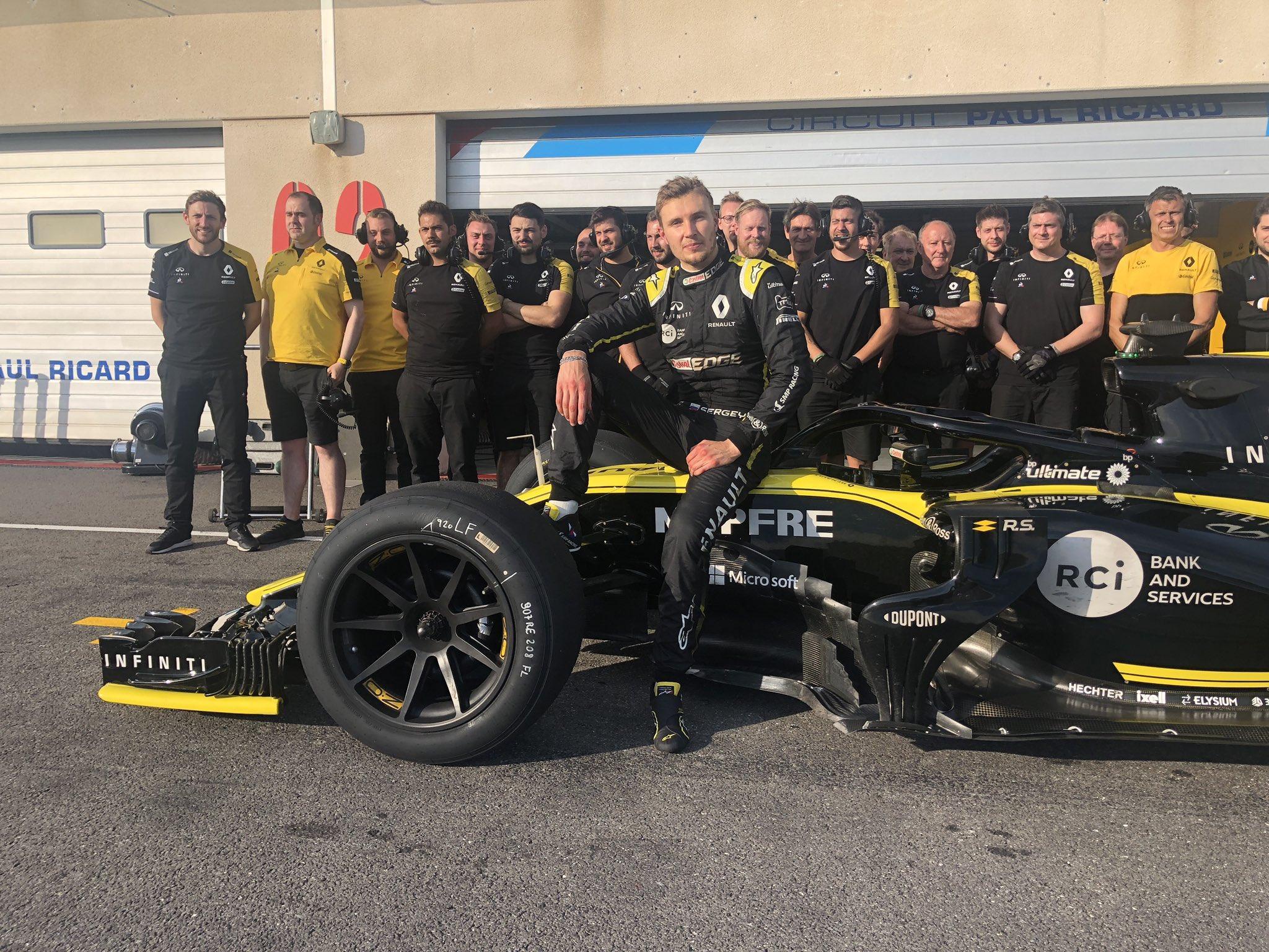 Сергей Сироткин первым протестировал 18-дюймовые шины для Формулы-1