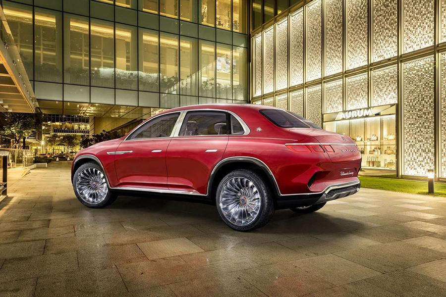 Mercedes-Maybach GLS покажут этой осенью