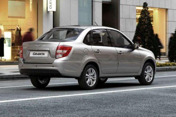 АвтоВАЗ приостановил продажи 7000 «Грант»