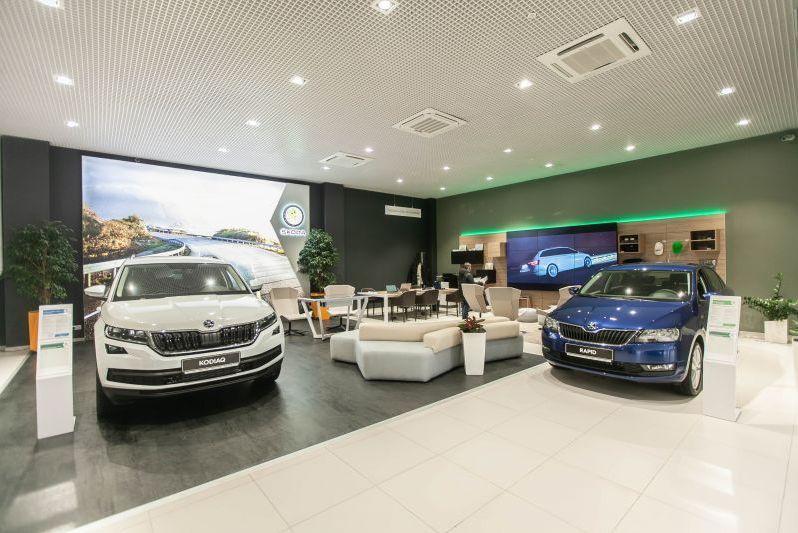 Россиянам посоветовали не затягивать с покупкой новой машины