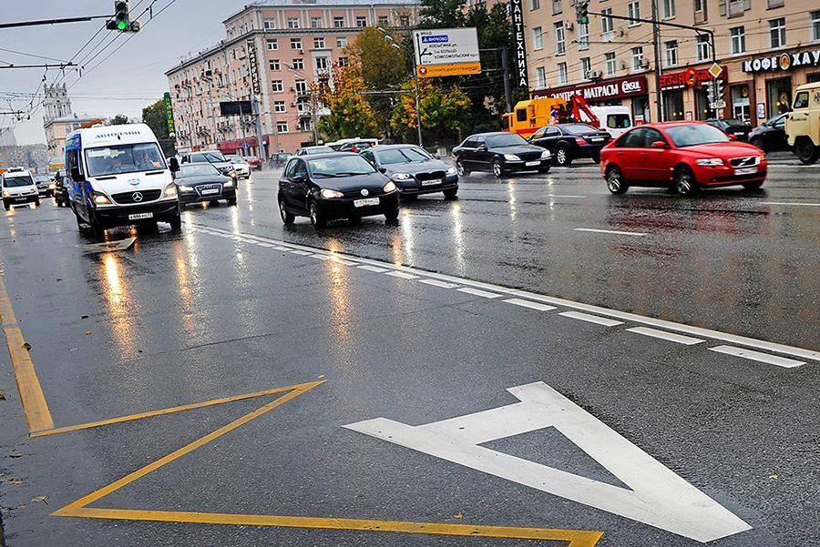 На выделенные полосы предложили пустить частные машины