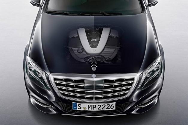 Mercedes пока не отказывается от мотора V12