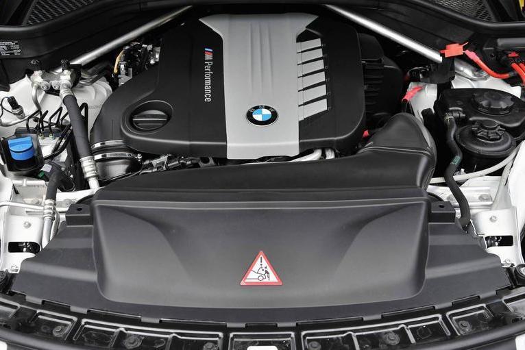 BMW выведет из гаммы мотор с четырьмя турбинами