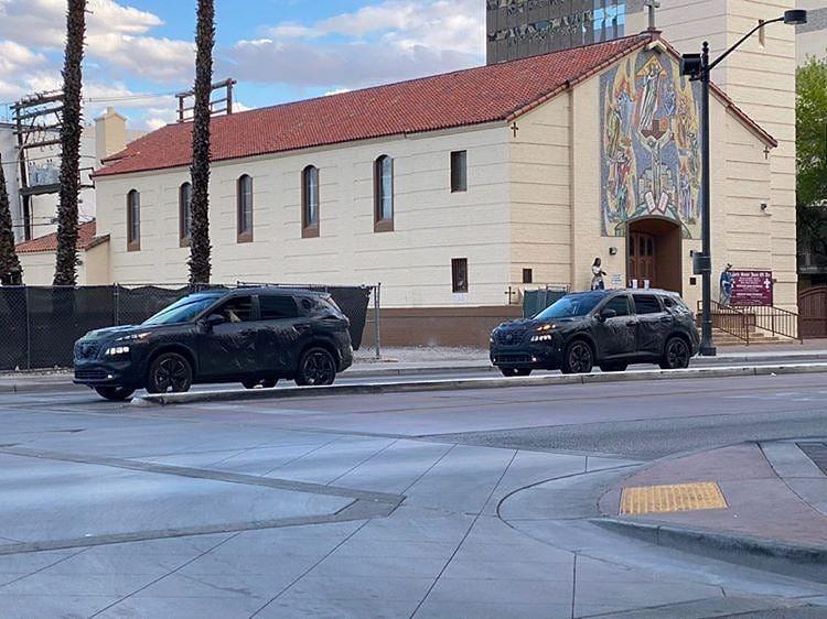 Новый Nissan X-Trail заметили в камуфляже